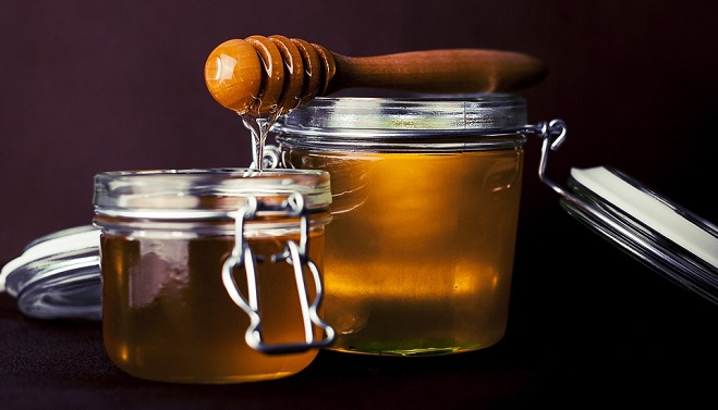 Promotes Sleeping If You Are Wondering Does Honey Help Sleep Now Will Find Out Like To Take A Teaspoon Of Before Go Bed